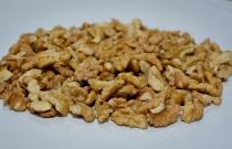 Quarter of walnut 1/4 (quarter)